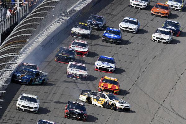 #3: Austin Dillon, Richard Childress Racing, Chevrolet Camaro Chevrolet Accessories spins