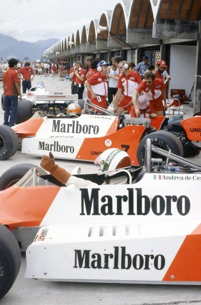 1981 Brazilian Grand Prix.Jacarepagua, Rio de Janeiro, Brazil. 27-29 March 1981.Andrea de Cesaris and John Watson (both McLaren M29F-Ford Cosworth) in the pits.World Copyright: LAT PhotographicRef: 35mm transparency 81BRA17