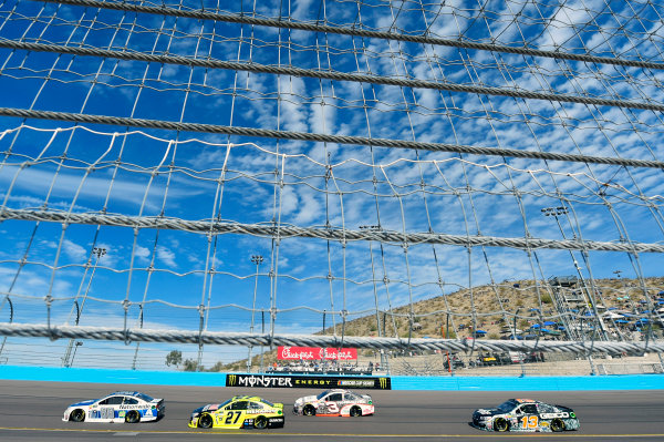Monster Energy NASCAR Cup Series Can-Am 500 Phoenix Raceway, Avondale, AZ USA Sunday 12 November 2017 Dale Earnhardt Jr, Hendrick Motorsports, Nationwide Chevrolet SS and Paul Menard, Richard Childress Racing, Duracell/Menards Chevrolet SS World Copyright: Nigel Kinrade LAT Images