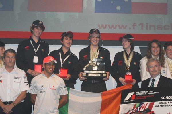 Lewis Hamilton (GBR) McLaren with the winning Irish team. F1 in Schools World Championships 2009, London, England, 17 September 2009.