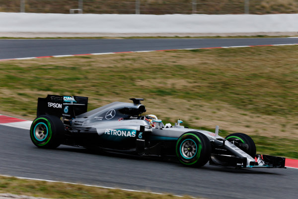 Circuit de Catalunya, Barcelona, Spain Monday 22 February 2016. Lewis Hamilton, Mercedes F1 W07 Hybrid. World Copyright: Alastair Staley/LAT Photographic ref: Digital Image _79P9382