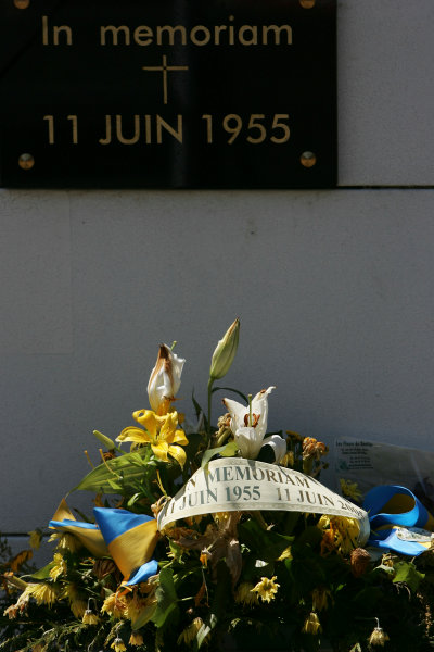 2005 Le Mans 24 HoursLe Mans, France. 17th - 18th JuneA Memoriam has been placed on the main straight in memory of the accident in the 1955 Le Mans World Copyright: Glenn Dunbar/LAT Photographic Ref: Digital image only.