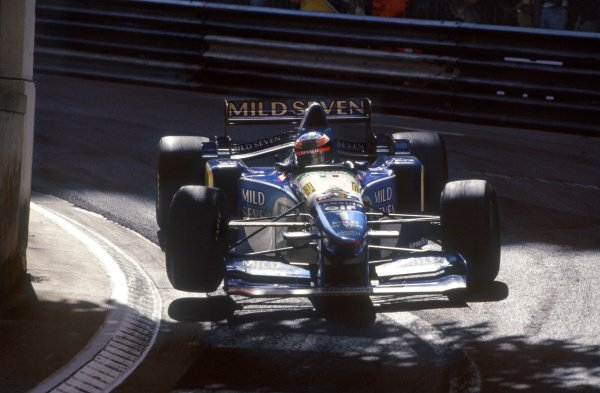 1995 Monaco Grand Prix. Monte Carlo, Monaco. 28 May 1995. Michael Schumacher, Benetton B195-Renault, 1st position, action. World Copyright: LAT Photographic Ref: 35mm transparency 95MON10