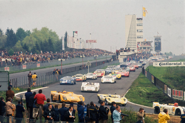 Nurburgring, Germany. 31st May 1970. Rd 7.Start of the race, action. World Copyright: LAT Photographic.Ref:  70Ring 01.