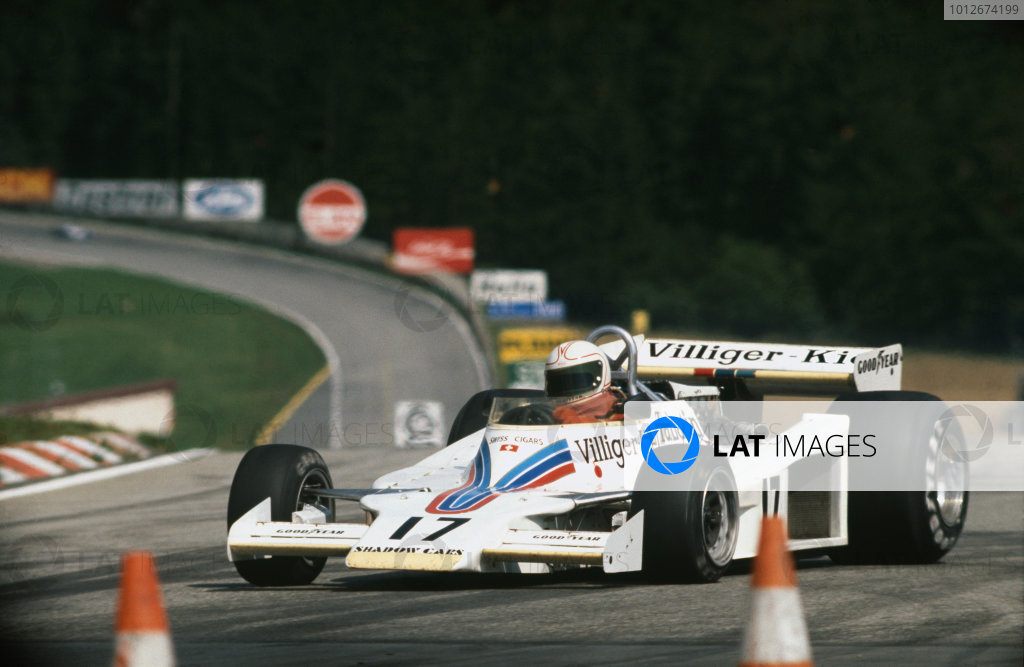 Osterreichring, Zeltweg, Austria.12-14 August 1977.Alan Jones (Shadow DN8A-Ford) 1st position, takes his maiden Grand Prix win and the Shadow Racing Team's last, action.World Copyright: LAT Photographic.Ref:  Colour Transparency.