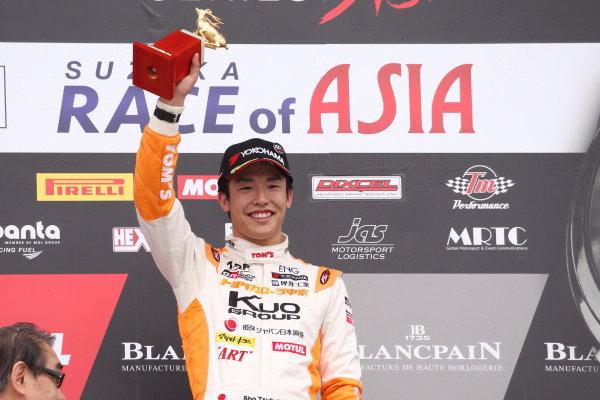 2017 Japanese Formula 3 Championship. Suzuka, Japan. 24th - 25th June 2017. Rd 10 & 11. Rd11 Winner Sho Tsuboi ( #1 Corolla Chukyo Kuo TOM?S F317 ) podium portrait World Copyright: Masahide Kamio / LAT Images. Ref: 2017JF3_Rd11_05