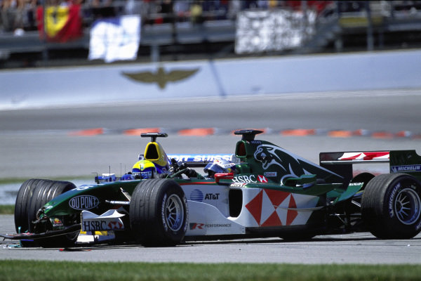 Damage on Christian Klien's Jaguar R5 Cosworth after a first lap collision.