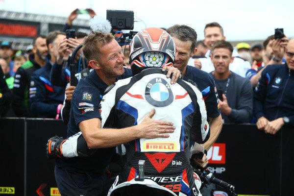 Tom Sykes, BMW Motorrad WorldSBK Team takes pole.