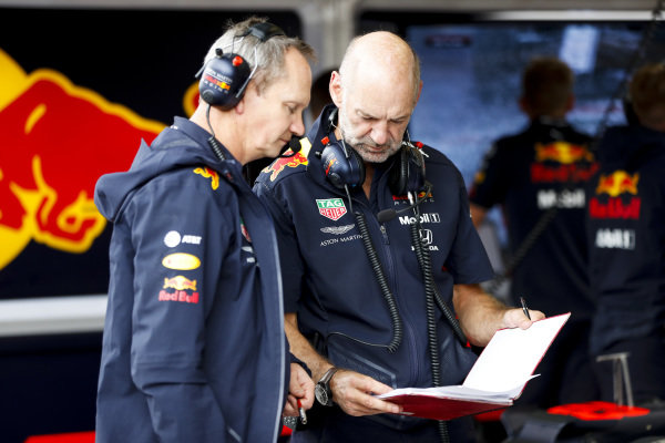 Paul Monaghan, Chief Engineer, Red Bull Racing, and Adrian Newey, Chief Technical Officer, Red Bull Racing