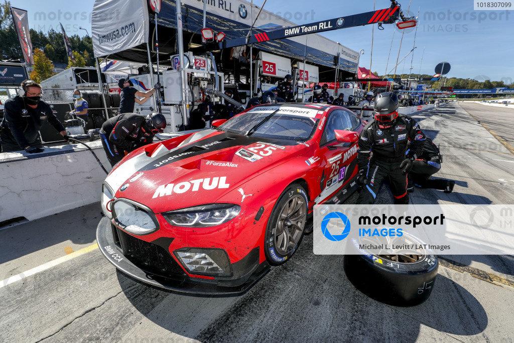 #25 BMW Team RLL BMW M8 GTE, GTLM: Connor De Phillippi, Bruno Spengler, Colton Herta, pit stop, crew