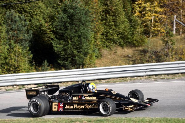 Gunnar Nilsson (SWE) Lotus 78 crashed out of the race on lap 18 after suffering a stuck throttle.Canadian Grand Prix, Rd 16, Mosport Park, Canada, 9 October 1977.BEST IMAGE