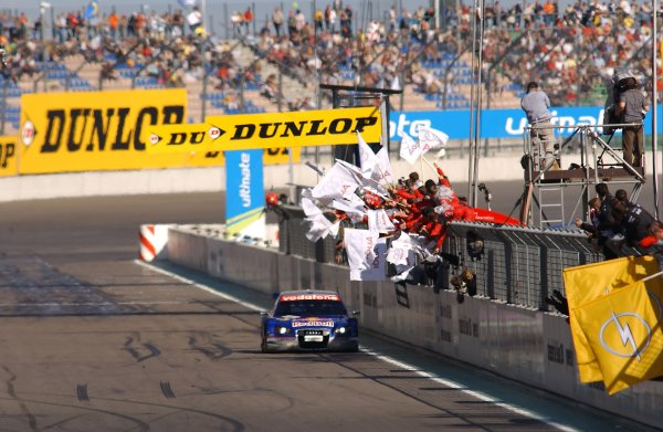 2005 DTM ChampionshipLausitz, Germany. 17th - 18th September 2005Race winner Mattias Ekstrom (Abt Sportsline Audi A4) 1st position, crosses the finish line to the cheers of his team.World Copyright: Andre Irlmeier / LAT Photographicref: Digital Image Only