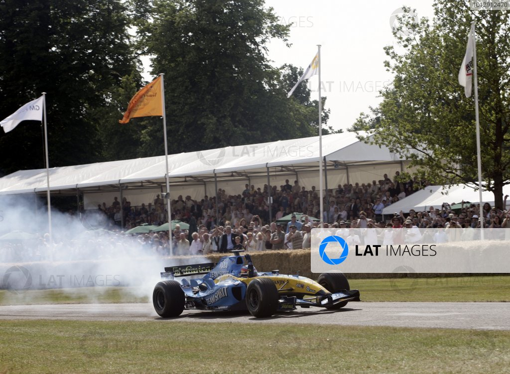 2005 Goodwood Festival of Speed.Goodwood House, West Sussex, Great Britain. 24-26 June 2005.Fernando Alonso (Renault R24). Action.World Copyright: Gary Hawkins/LAT Photographic.Ref: Digital Only