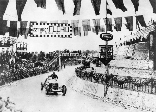 Madonie circuit, Sicily, Italy.10 May 1931.Tazio Nuvolari (Alfa Romeo 8C-2300), 1st position.Published-Autocar 22/5/1931 p942.World Copyright - LAT Photographic