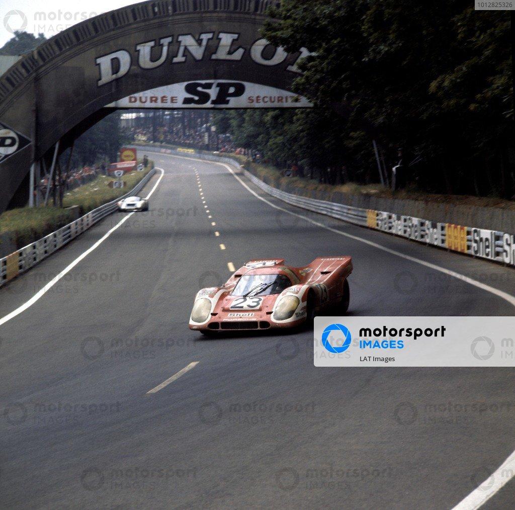1970 Le Mans 24 Hours Le Mans, France. 1970. Hans Herrmann/Richard Attwood, Porsche 917K, 1st position, action. World Copyright: LAT Photographic ref: 4098M