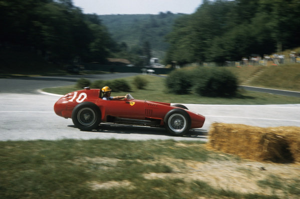 Rouen-Les-Essarts, France. 5-7 July 1957. Luigi Musso (Lancia-Ferrari D50 801) 2nd position. Ref-57 FRA 15. World Copyright - LAT Photographic