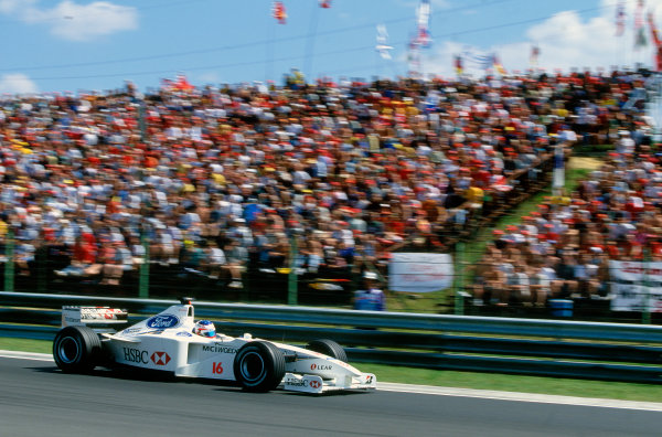 Hungaroring, Budapest, Hungary. 13th - 15th August 1999.Rubens Barrichello (Stewart SF3-Ford), 5th position, action. World Copyright: LAT Photographic.Ref: Colour Transparency.