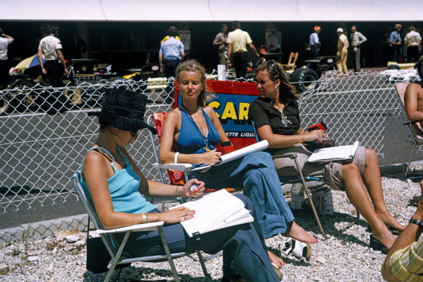 1973 French Grand Prix.  Paul Ricard, Le Castellet, France. 29th June - 1st July 1973.  Drivers' wives and girlfriends including Barbro Peterson, centre,  timekeeping in the pits.  Ref: 73FRA66. World Copyright: LAT Photographic
