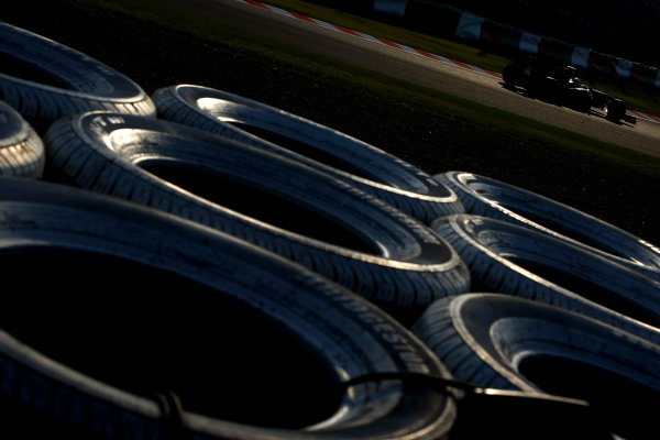 Suzuka Circuit, Suzuka, Japan.7th October 2011.Vitaly Petrov, Lotus Renault GP R31. Action. World Copyright: Andy Hone/LAT Photographicref: Digital Image CSP24162