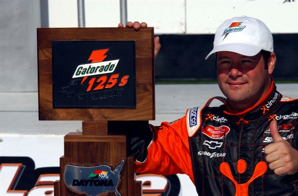 2003 NASCAR Daytona 500 Speedweeks-13,February 2003 2003 Daytona 500 Gatorade Twin 125s Feb 2003-Robby Gordon with winning trophy-World Copyright-RobtLeSieur2003LAT Photographic