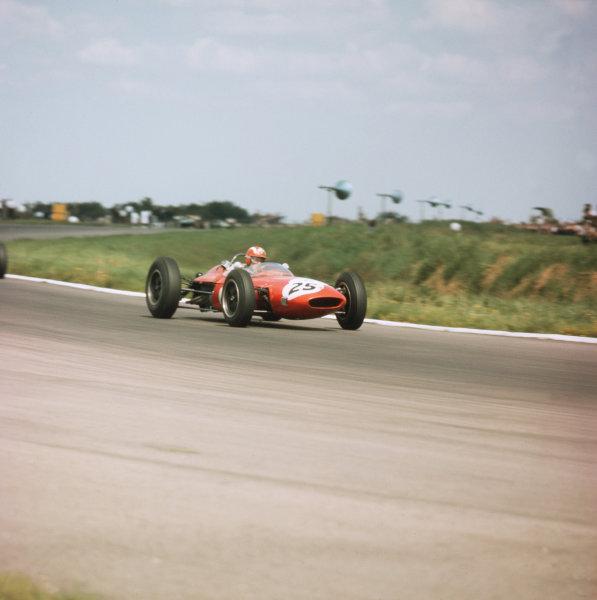 Silverstone, England.18-20 July 1963.Jo Siffert (Lotus 24 BRM).Ref-3/1001.World Copyright - LAT Photographic