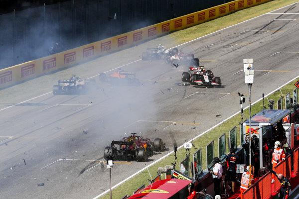 Kevin Magnussen, Haas VF-20 and Carlos Sainz, McLaren MCL35 crash