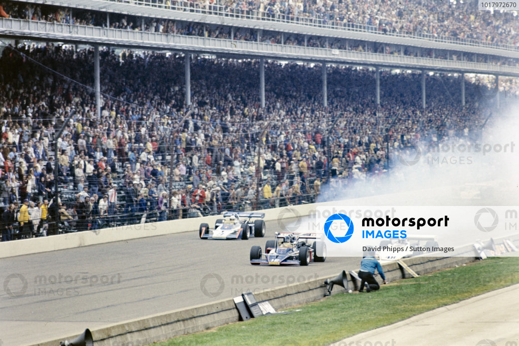 Bobby Allison, Penske Racing, McLaren M16C Offenhauser, suffers an engine problem while battling with Jerry Grant, All American Racers/Oscar Olson, Eagle 73 Offenhauser, and Roger McCluskey, Lindsey Hopkins, McLaren M16A Offenhauser.