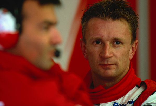2002 British Grand Prix, Silverstone, England. 7th July 2002. Allan McNish endures a dismal British Grand Prix weekend as he fails to get off the grid at the start.World Copyright - LAT Photographic Ref: 35mm Original A13