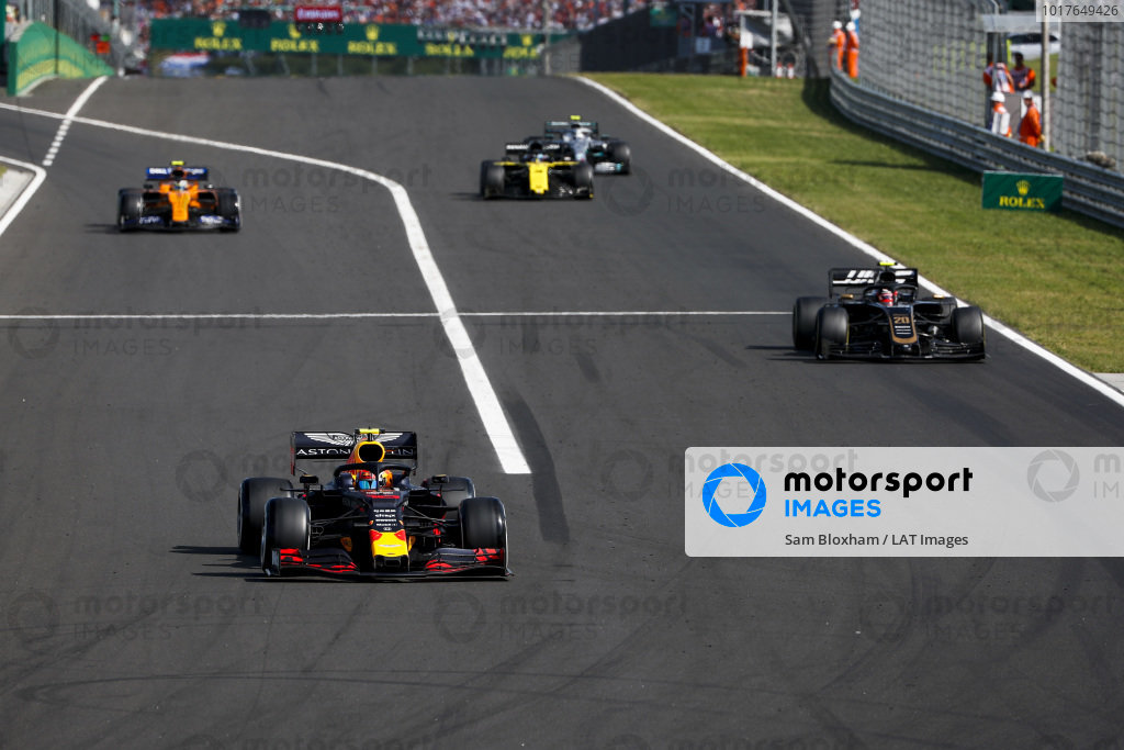 Pierre Gasly, Red Bull Racing RB15, leads Kevin Magnussen, Haas VF-19, Lando Norris, McLaren MCL34, Daniel Ricciardo, Renault R.S.19, and Valtteri Bottas, Mercedes AMG W10