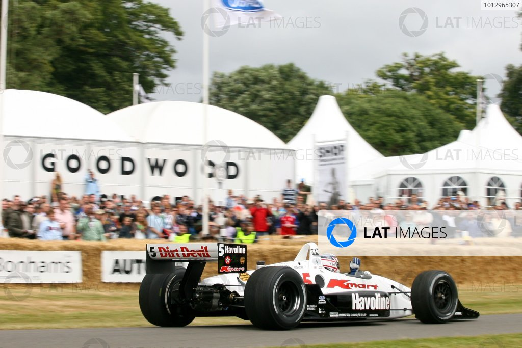 2006 Goodwood Festival of Speed.Goodwood Estate, West Sussex. 7th - 9th July 2006.Nigel Mansell, Lola Ford Indycar, World Copyright: LAT Photographic.ref: Digital Image Only.