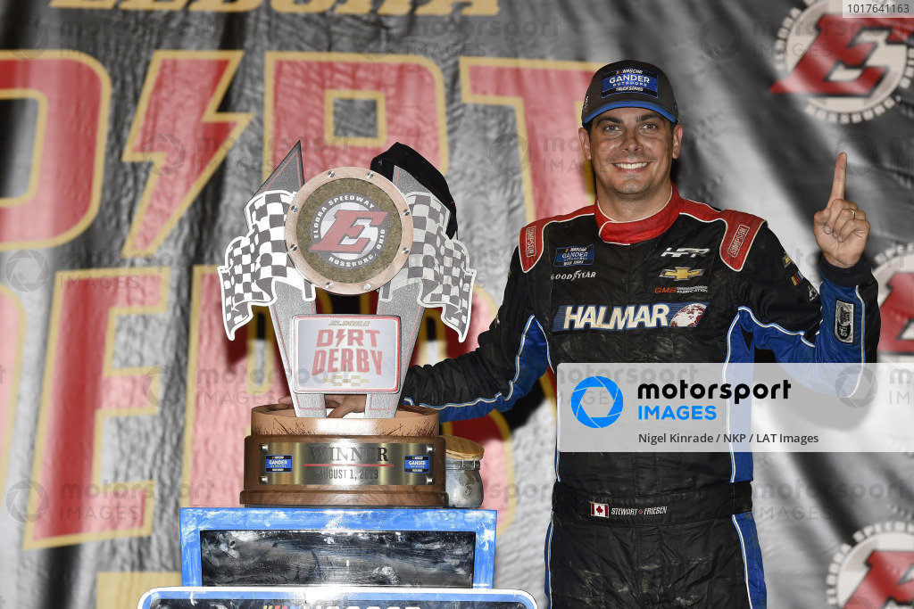 #52: Stewart Friesen, Halmar Friesen Racing, Chevrolet Silverado Halmar International celebrates this win