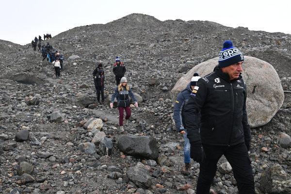 Carlos Sainz (ESP), Acciona   Sainz XE Team, on the Russell Glacier