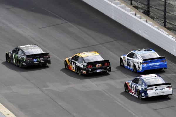 #1: Kurt Busch, Chip Ganassi Racing, Chevrolet Camaro Monster Energy and #88: Alex Bowman, Hendrick Motorsports, Chevrolet Camaro Nationwide