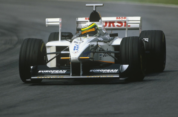 Sao Paulo, Brazil. 27th - 29th March 1998.Ricardo Rosset (Tyrell 026-Ford), retired, action. World Copyright: LAT Photographic.Ref:  98BRA