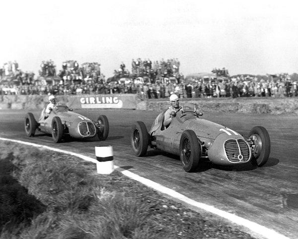 1948 British Grand Prix.Silverstone, England, Great Britain. 2 October 1948.Alberto Ascari leads Luigi Villoresi (both Maserati 4CLT/48).World Copyright: LAT PhotographicRef: Black & print