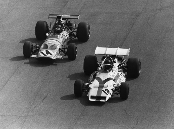 Monza, Italy.3-5 September 1971.Peter Gethin (BRM P160), 1st position, leads Jackie Oliver (McLaren M14A-Ford), 7th position, action. World Copyright: LAT Photographic.Ref:  Motor B/W Print.