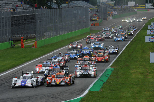 Start of the race - #21 Henrik Hedman / Ben Hanley / Nicolas Lapierre DRAGONSPEED M Oreca 07 - Gibson leads