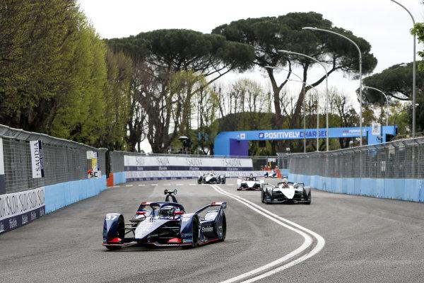 Nick Cassidy (NZL), Envision Virgin Racing, Audi e-tron FE07, leads Norman Nato (FRA), Venturi Racing, Silver Arrow 02, and Pascal Wehrlein (DEU), Tag Heuer Porsche, Porsche 99X Electric