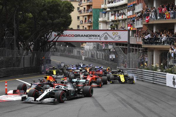 Valtteri Bottas, Mercedes AMG W10, leads Max Verstappen, Red Bull Racing RB15, Sebastian Vettel, Ferrari SF90, Daniel Ricciardo, Renault R.S.19, Kevin Magnussen, Haas VF-19, and the remainder of the field at the start