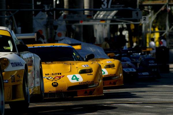2002 Miami ALMS, 5 October, 2002, Miami Florida, USACorvettes wait to qualify-2002, Michael L. Levitt, USALAT Photographic