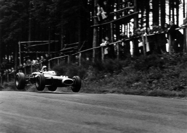1965 German Grand Prix. Nurburgring, Germany. 1 August 1965. Jackie Stewart (BRM P261), retired, action. World Copyright: LAT Photographic Ref: 30349