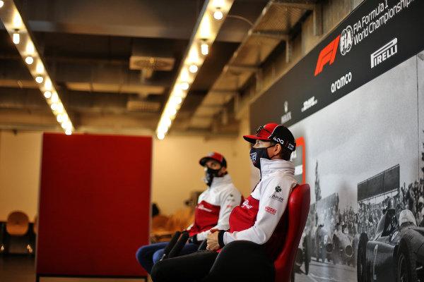 Kimi Raikkonen, Alfa Romeo and Antonio Giovinazzi, Alfa Romeo in the press conference