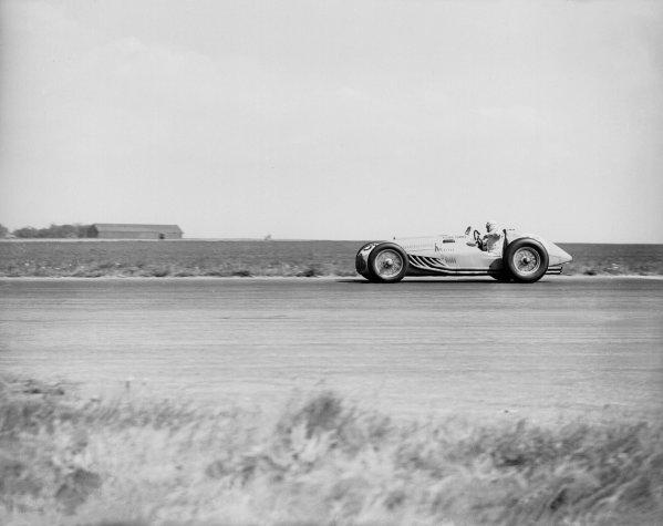 Silverstone, Great Britain.14 May 1949.Louis Chiron (Lago-Talbot T26C).Ref-Motor 766/22.World Copyright - LAT Photographic