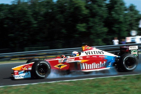 Alex Zanardi (ITA) Williams FW21 was the first retirement of the race with differential problems on the tenth lap.