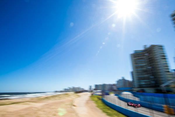 2015/2016 FIA Formula E Championship. Testing, Punta del Este, Uruguay. Sunday 20 December 2015. Loic Duval (FRA), Dragon Racing - Venturi VM200-FE-01. Photo: Zak Mauger/LAT/Formula E ref: Digital Image _L0U0335