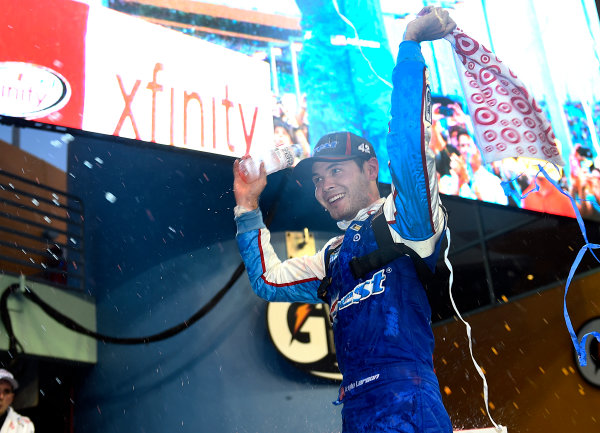 20-21 November, 2015, Homestead, Florida USA Kyle Larson celebrates in Victory Lane ? 2015 John Harrelson / Harrelson Photography