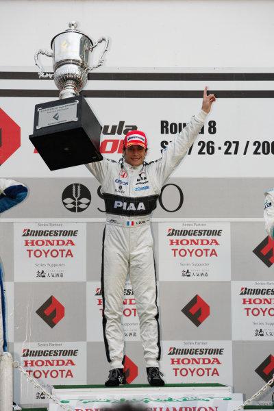 Sugo, Japan. 26th - 27th September 2009.Rd8  - 2009 Drivers Champion Loic Duval ( #31 NAKAJIMA RACING ) podium, portrait .World Copyright: Yasushi Ishihara/LAT Photographicref: Digital Image 2009FN_Rd8_017
