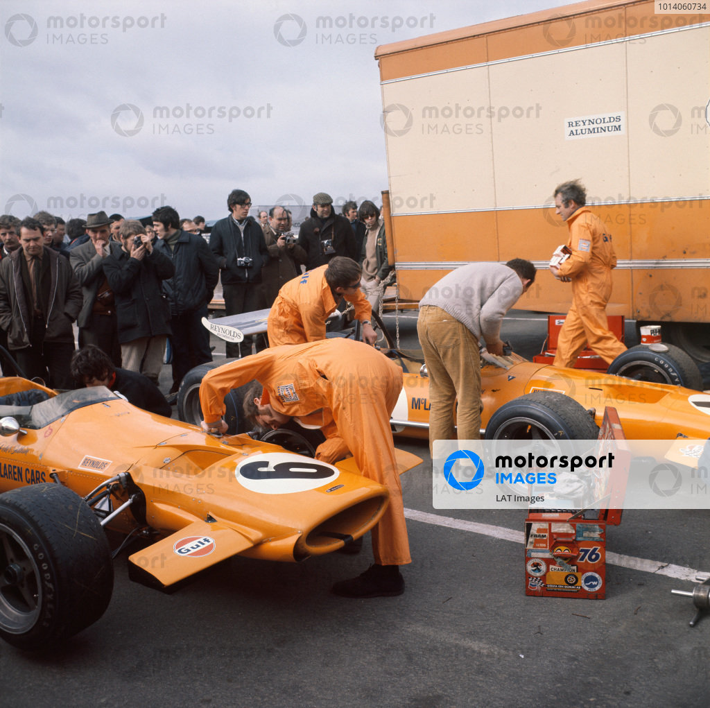 1970 Race of Champions. Brands Hatch, England. 22nd March 1970. Mechanics work on the McLaren M7A-Cosworth in the paddock before the race. World Copyright: LAT Photographic. Ref:  70MF ROC 3990E 01.