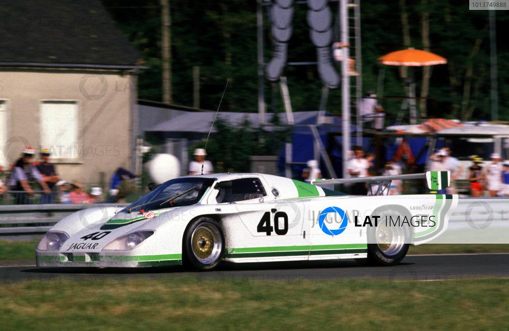 Le Mans, France. 16th - 17th July 1984.John Watson/Claude Ballot-Lena/Tony Adamowicz (Jaguar XJR5), retired, action. World Copyright: LAT Photographic.Ref:  84LM20.