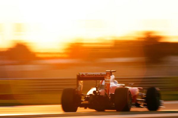 Yas Marina Circuit, Abu Dhabi, United Arab Emirates. Sunday 27 November 2016. Sebastian Vettel, Ferrari SF16-H. World Copyright: Sam Bloxham/LAT Photographic ref: Digital Image _SLA9424